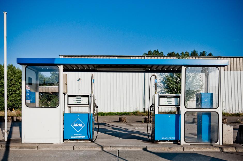 Tankstelle im Düsseldorfer Industriehafen